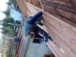 Při práci na střeše
