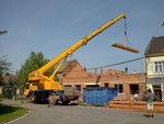 Montáž střechy, práce jeřábu 2